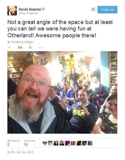 Kevin Hearne - Tweet Selfie
